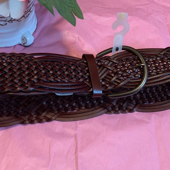 Target Accessories - Small NWOT Brown Belt with Dark Metal Buckle